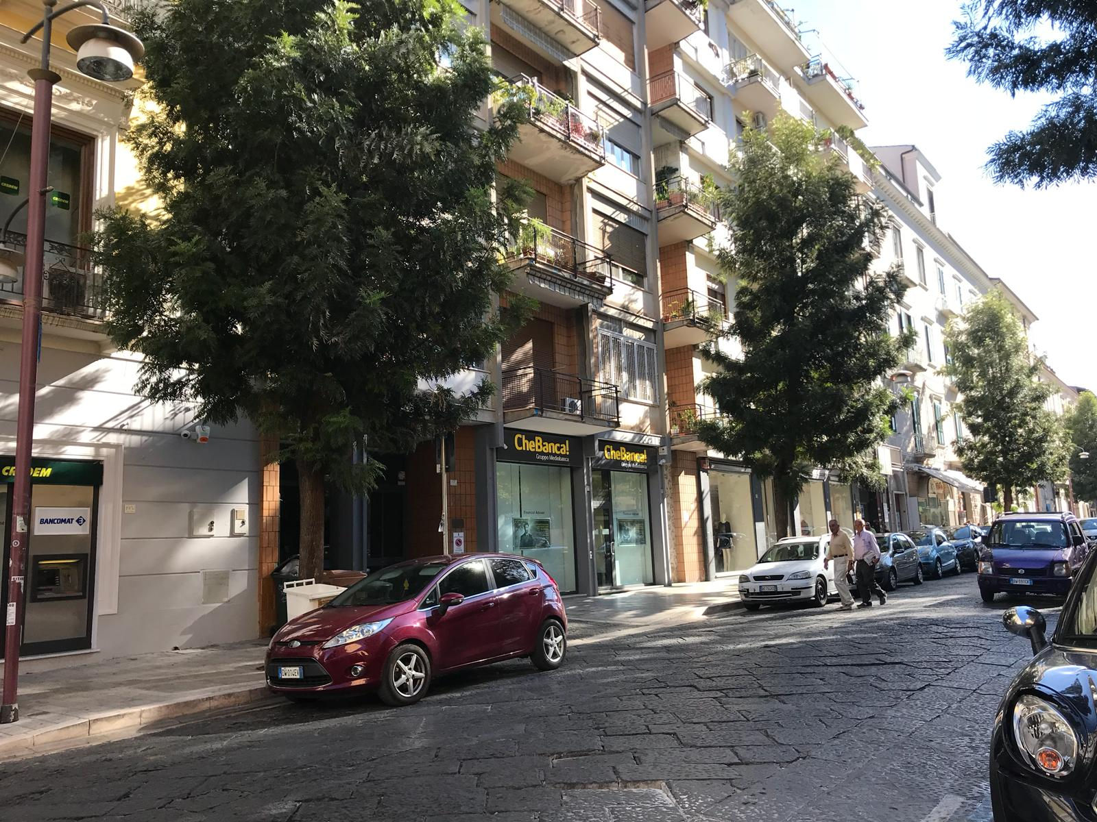 >Locale commerciale Caserta
